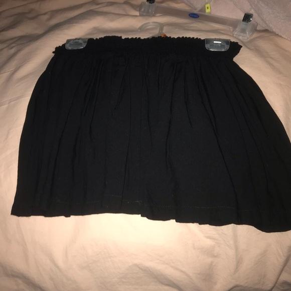 Divided Dresses & Skirts - Black pleated skirt